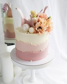30th Birthday Cake For Women, Birthday Cake For Women Elegant, Elegant Birthday Cakes, Cute Birthday Cakes, Beautiful Birthday Cakes, Gorgeous Cakes, Pretty Cakes, Amazing Cakes, Cake Decorating Videos