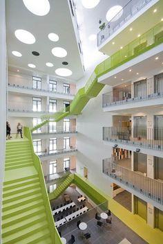 atrium stairs - Google leit