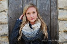 Chunky Color Block Cowl {Free Crochet Pattern} An incredibly cozy oversized cowl with great texture. Works up in just a couple of hours and promises to keep you warm and snuggly on even the coldest winter day.