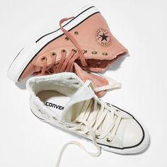 Feel extra cosy in our @converse All Star Hi Leather's in pink blush fur black & parchment fur black. #Shop them straight from our bio. #newin #converse #autumn
