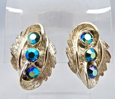 VINTAGE POSH BLUE/GREEN AURORA BOREALIS BRUSHED GOLD PLATED CLIP ON EARRINGS #Unbranded #DropDangleStatement