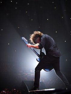 During a Dec. 13 show in Auckland, New Zealand, the Foos and some 50,000 fans caused tremors similar to a volcanic event.