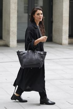 Jessie Ware and the Marylebone Tote in Black
