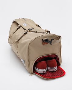 novel in khaki / herschel supply co. / absolutely love the shoe compartment