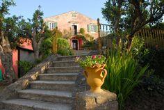 Entrance to traditional corfiot villa Villas In Corfu, Corfu Town, Corfu Island, Corfu Greece, Hidden Places, Beautiful Stories, Ideal Home, Venetian, Entrance