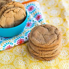 Soft Gingerbread Cookies - Love From The Oven Chewy Ginger Cookies, Ginger Bread Cookies Recipe, Ginger Snap Cookies, Cookie Recipes, Soft Gingerbread Cookie Recipe, Gingerbread Man, Fun Cookies, Sweet Treats, Oven