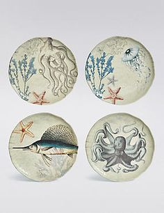 Aren't these nautical design plates fab? They look expensive (and remind me of designer porcelain) but amazingly they're made of melamine and very affordable. Great for picnics and outdoor dining, as well as using as display pieces in a nautical room interior.
