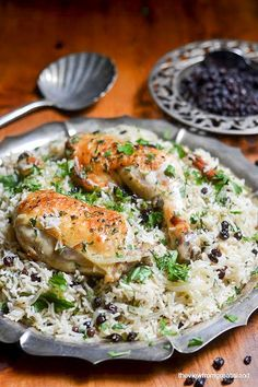 Chicken with Caramelized Onion and Cardamom Rice, from Jerusalem ~ a delicious one pot meal from the great Yotam Ottolenghi. Island Chicken Recipe, Chicken Recipes, Recipe Chicken, Duck Recipes, Ottolenghi Recipes, Yotam Ottolenghi, Rice Dishes, Food Dishes, Main Dishes