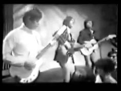 """The Kinks - """"Sunny Afternoon"""" (performing on TOTP 1966)"""