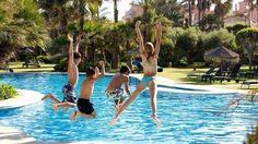 Temporada de piletas: ¡todos al agua!  El incomparable atractivo de una pileta en plena época de calor es un imán que arrastra a gente de todas las edades, en especial a los habitantes d... http://sientemendoza.com/2017/01/29/temporada-de-piletas-todos-al-agua/
