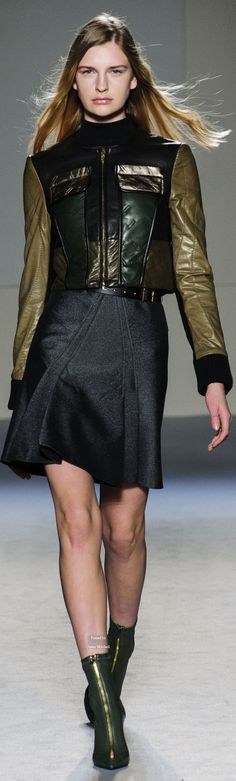 Roland Mouret Collection Fall 2015