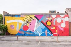 Atlanta-based abstract artist and muralist Alex Brewer aka HENSE has been commissioned to paint everything from churches to underpasses. Graffiti Designs, Graffiti Wall Art, Mural Wall Art, Street Art Graffiti, Abstract Wall Art, Mural Painting, School Murals, Mid Century Art, Street Artists