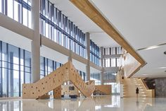 Image 8 of 22 from gallery of Wuhan Tencent R&D Center / IDEAL. Photograph by Bin Zhao (Unique Architecture Photography) Wuhan, Unique Architecture, Atrium, Stairs, Gallery, Photography, Image, Big, Room