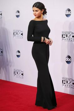 Selena Gomez no red carpet do American Music Awards.