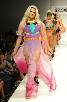 MARCO MARCO runway. Willam looked bored, but that's her thing. She also forgoed underwear, and that's also her thing. XD