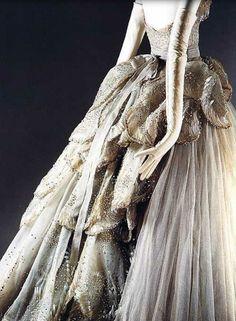 "The Metropolitan Museum of Art - ""Venus"" Designer: Christian Dior (French, Granville 1905–1957 Montecatini) Date: fall/winter 1949–50 Culture: French Medium: silk, sequins, rhinestones, simulated pearls. Detail"