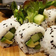 Acompaña nuestro nuevo ramen vegetariano con este maki vegano #ramenkagura