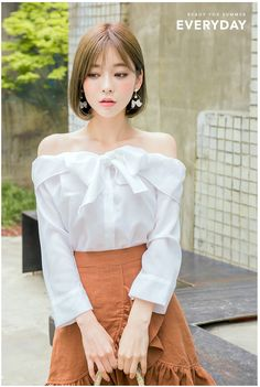 KOODING, a Korean fashion online shopping website, offers women's Korean off the shoulder shirts & blouses for sale. Shop for Korean style womens off shoulder blouse. Korean Fashion Online, Korea Fashion, Asian Fashion, Short Hair Outfits, Cute Outfits, Cute Asian Girls, Cute Girls, Cute Fashion, Girl Fashion