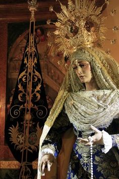 signorcasaubon:    Maria Santisima del Dulce Nombre (Most Holy Mary of the Sweet Name), one of the titular patrons of the Hermandad de Jesus de la Humildad; Zaragoza, Spain