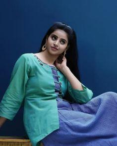 Telugu Actress Naveena Reddy New Pictures Gallery Picture 1648223 Beautiful Girl Indian, Beautiful Women, Actress Priyanka, Girl Fashion, Womens Fashion, South Indian Actress, Indian Beauty, Indian Actresses, Long Hair Styles