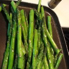 Pour a tsp of olive oil in sauté pan. Add drops of Wild Orange essential oil. Swirl pan to mix oils while heating. Place washed and trimmed pencil asparagus in the pan. Sprinkle with a good salt. Cooking With Essential Oils, My Essential Oils, Wild Orange Essential Oil, Doterra, I Foods, My Recipes, Asparagus, Olive Oil, Salt