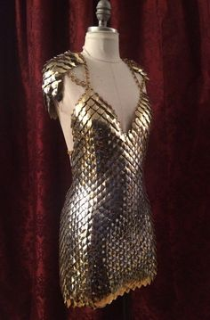 Altercate Skala Kleid XS-L von ScailleMaille auf Etsy Warrior Outfit, Warrior Costume, Valkyrie Costume, Tin Man, Body Jewelry, Scale Mail, Chainmaille, Fantasy Dress, Fantasy Costumes