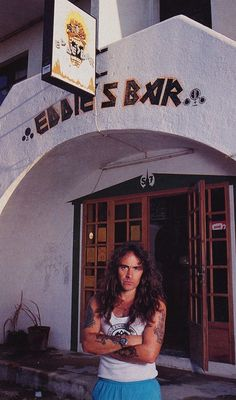 Steve Harris (IRON MAIDEN) at Eddie's Bar in Portugal!