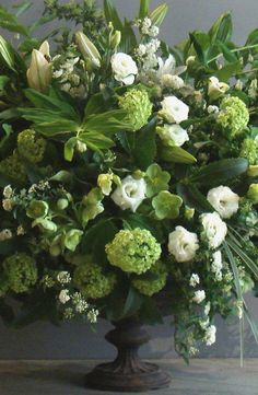 L. Becker Flowers carries vintage inspired floral arrangements, with rare plants and stems, on Manhattan's Upper East Side.