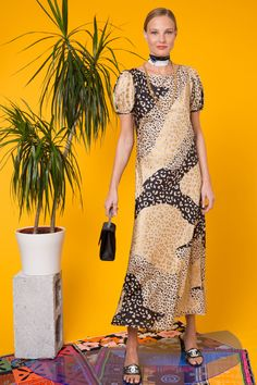 Check Out the Reese Gold Patchwork Leopard, Silk No Split Midi Dress. Shop Now at RIXO, Get Off Your First Order! Leopard Shorts, Nice Dresses, Summer Dresses, Giraffe Print, New Girl, Dream Dress, Print Patterns, Short Sleeve Dresses, Print Ideas