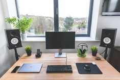 Nowadays, having a good computer desk becomes a necessity. Instead of regular desks, many of us look for products that combine comfort, style, and functional aspect. You can create a desk that suit… Setup Desk, Home Office Setup, Room Setup, Home Office Design, Home Office Furniture, Modern Furniture, Simple Computer Desk, Computer Desk Setup, Gaming Setup