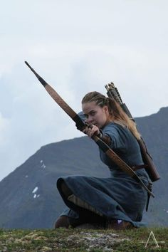The Viking Archer Action Pose Reference, Human Poses Reference, Pose Reference Photo, Action Poses, Archery Poses, Archery Girl, Archery Photography, Fantasy Photography, Woman Archer