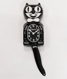 Classic Kit-Cat wall clock based on a beloved vintage design. Features wagging pendulum tail and revolving eyes. A favorite whimsical decoration for over 80 years. Runs on 2 C Batteries (not included). Funny Home Decor, Cat Clock, Retro Clock, Vintage Clocks, Kitchen Wall Clocks, Design Apartment, Felix The Cats, Cat Wall, Large Clock