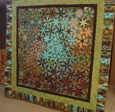one block wonder quilts - Bing Images One Block Wonder, Star Quilts, Quilt Blocks, Millefiori Quilts, Kaleidoscope Quilt, Green Quilt, Hexagon Quilt, Quilt Stitching, Quilt Making