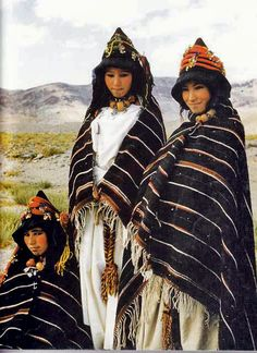 Imilchil, young Berber girls of Ait Haddidou.