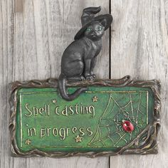 Design Toscano Witch's Cat Spell-Casting Wall Sculpture & Reviews | Wayfair