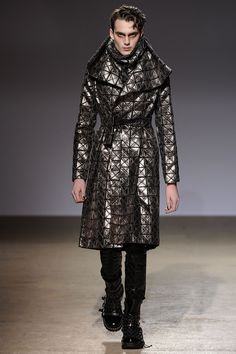 Great design but model couldn't show it out.     - Gareth Pugh Mens F/W 2009-10