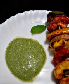 Mint-Chutney -- for Tandoori Recipes: 200 gms Yogurt;  1 and half cup fresh Mint leaves;  1/2 cup fresh Cilantro leaves;  1 green Chili, chopped;  1 small Onion, chopped;  1 tbsp chopped Ginger;  3-4 Garlic cloves, chopped (optional);  1 tsp Cumin powder;  1 tsp Chaat Masala;  1 tsp dry Mango powder or dry pomegranate seeds powder;  Black salt