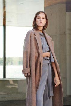 #minimal #fashion #coat www.emfashionfiles.com