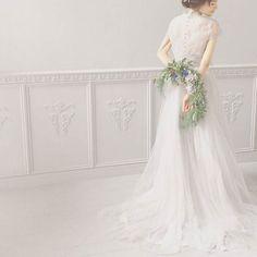 photo by @maisonsuzu 手作りウエディングドレスのブランドMaison SUZUこんな素敵なドレスを着て結婚式がしたいと思わせてくれる写真ばかりです #MERY #regram #wedding #maisonsuzu #ウエディング #プレ花嫁 #ドレス #結婚式 #結婚 #手作り by mery.jp