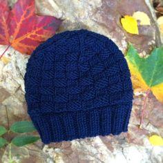 Merinobeanie #mütze #merino #merinowool #beanie #stricken #knit #knitting #knitstagram #knittersofinstagram #weareknitters #blue #maritime #fall #herbst #autumn #woods
