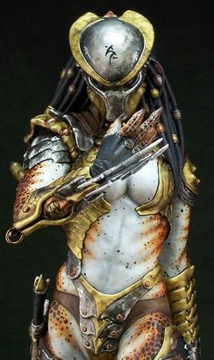 Female predator (not actually cosplay, it's a model but still awesome)