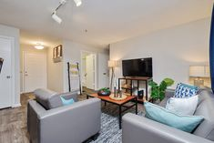 Conveniently located near Tallahassee International Airport and various local dining and shopping destinations, our fully furnished 2, 3, and 4-bedroom apartment homes offer premium amenities and community features. #TheSocial1600 #MySocialSpace #FL #StudentLiving #Apartments