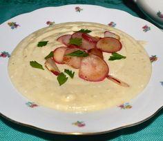 #reteta #supa de cartofi cu ridichi Soup Recipes, Cantaloupe, Soups, Fruit, Food, The Fruit, Soup, Meals, Soup Appetizers