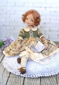 На дворе уже вовсю весна, и у меня появилась рыжая девочка в охристо-зеленых оттенках, как бы вторя краскам просыпающейся от холодов земли с молодыми ростками. Что сказать:)... я люблю ее, нежную, улыбчивую малышку. Ее зовут Энни, и она обожает читать сказки. Я подарила ей книгу Беатрикс Поттер про кролика Питера, и она зачитала ее до дыр))) Моя малышка уедет, и я буду очень скучать.