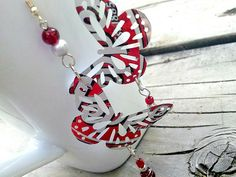 Upcycled Aluminum Can Jewelry Dr Pepper by AbsoluteJewelry, via Flickr (garden chime or 'curtain'...)