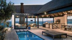Descubrimiento de la semana 140: Piscina integrada con la vivienda en Shelley Point, Sudáfrica. #pool #pools #piscina #swimmingpool #outdoorpool #piscinaexterior #architecture
