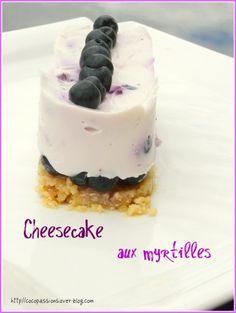 """750g vous propose la recette """"Cheesecake aux myrtilles"""" notée 4/5 par 2 votants."""