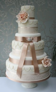 Vintage coffee and cream wedding cake