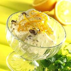 Opskrift på appelsinis lavet på fløde og yoghurt. Find mange andre spændende isopskrifter her på siden.
