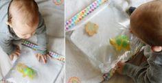 Un jouet que les bébé adorent! Les matelas d'eau sont si amusants! Surtout l'hiver, on a pas autant la chance de clapoter dans l'eau qu'en été! Mais même en été quand ona pas de piscine, le matelas peut rafraîchir un peu. Une activité sensorielle am
